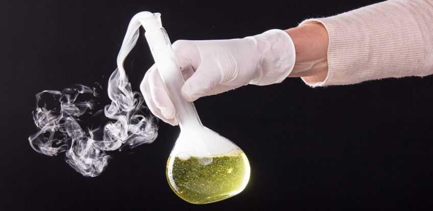 فلوکا ارزان 848x414 - نمایندگی ماده شیمیایی فلوکا در ایران